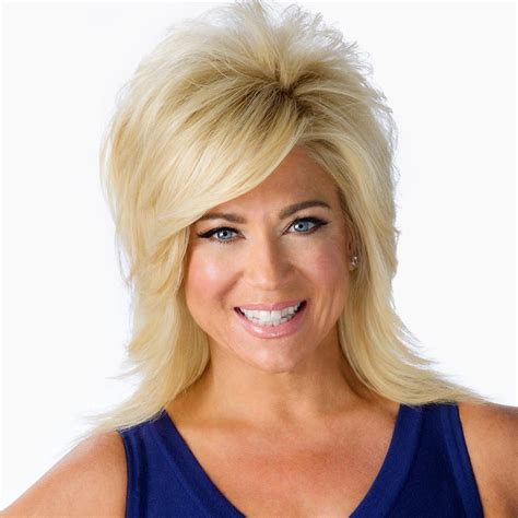 theresa caputo new hair theresa caputo hairstyle long island medium theresa