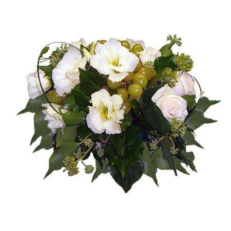 centrotavola fiori e frutta composizione centrotavola tonda con fiori e frutta