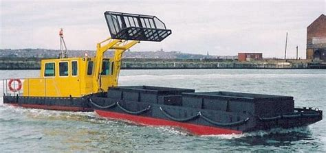 trash boat water river cleaning workboats trash skimmers waste dustcarts