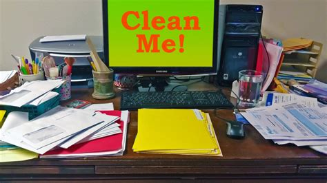 Disorganized Desk by Workplace Issues Articles By Dr Newman Vancouver Sun Columnist