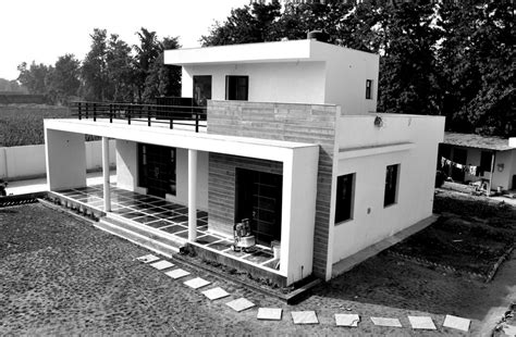 chattarpur farm house indian residence  architect