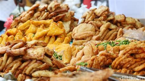 harga gorengan terancam naik momen  mengurangi