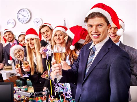 staying sober at a holiday party renaissance recovery