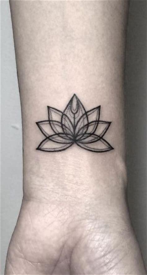 lotus flower on wrist 25 best ideas about lotus wrist on