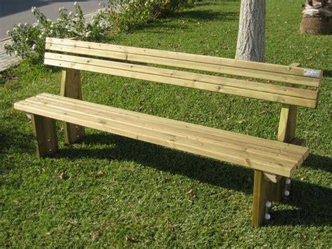 costruire una panchina di legno come verniciare una panchina in legno di habitissimo
