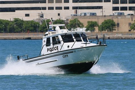 st clair boat accident windsor man dies in boating accident on the st clair