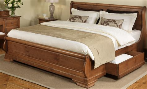 king size rustic varnished oak wood sleigh bed frame with