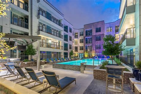 midtown s finest apartment homes pearl midtown houston luxury apartments by mk
