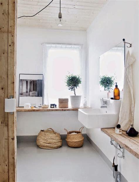 Incroyable Salle De Bain Blanche #1: salle-de-bain-blanche-et-bois.jpg
