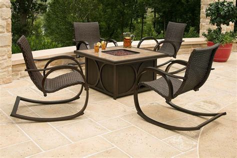 Propane Fire Pit Table And Chairs Choosing The Right Firepit Table And Chairs