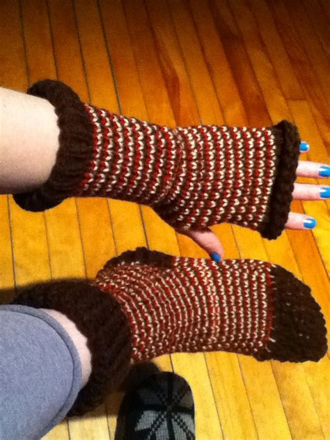 what can you knit on a loom loom knit fingerless gloves and socks using a 24 peg