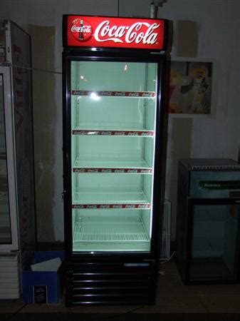 armoire coca cola armoire vitrine refrigeree 540 li sanden intercool 224 450