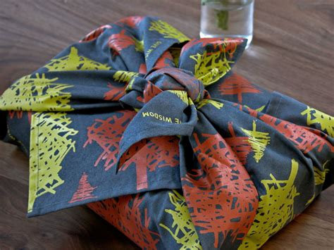 fabric gift wrapping 5 sustainable alternatives of wrapping paper green diary