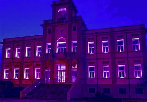 madonna della salute porto viro porto viro il municipio di porto viro illuminato in rosa