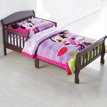 minnie mouse toddler bed set minnie mouse 174 5 piece toddler bedding set sears canada