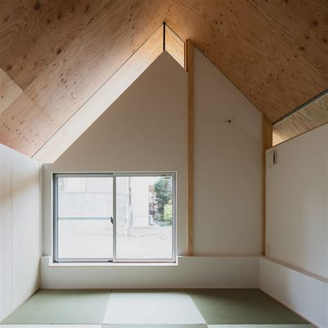 house eaves design y m design office wraps eaves around house in suburban kyoto