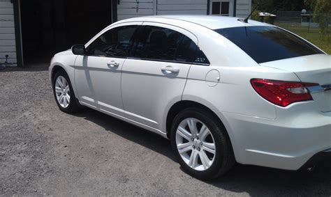 chrysler car white plasti dip wheels white