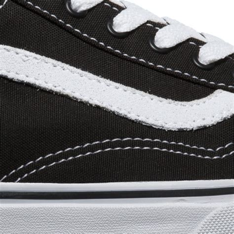 Sepatu Vans Asli Ori berikut beberapa cara membedakan sepatu vans asli dengan