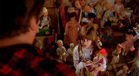 dolls house horror film dolls 1987 review basementrejectsbasementrejects