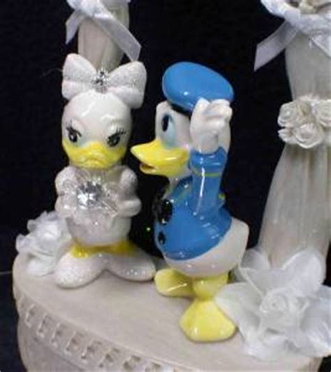 Topper Cake Donal Duck Cake Topper Donal Bebek Hiasan Kue Lucu disney donald groom duck wedding cake topper top arch ebay