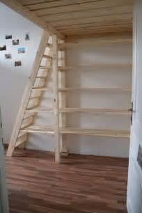 regal unter treppe 220 ber 1 000 ideen zu regale unter treppen auf