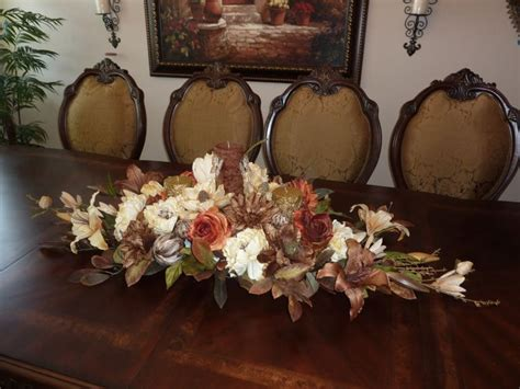 dining room table floral arrangements 1000 ideas about dining room table centerpieces on
