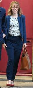 bookish rachels rachel mcadams reveals gigantic baby bump but it s just on the set of her new film daily