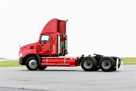 mack trucks updates  natural gas powered semi tractors