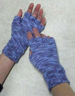 finger knitting in a tickle ravelry fingerless gloves pattern by watmoughs knitting