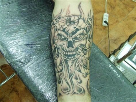 imagenes de calaveras en llamas tatuaje de llamas tattoo pictures to pin on pinterest
