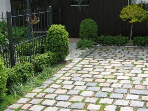 stellplatz aus gro 223 granitpflaster mit wasserdurchl 228 ssiger