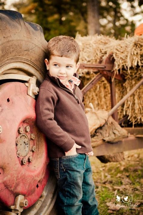 best toddler boy ideas best 25 fall toddler photography ideas on fall pictures baby boy pics