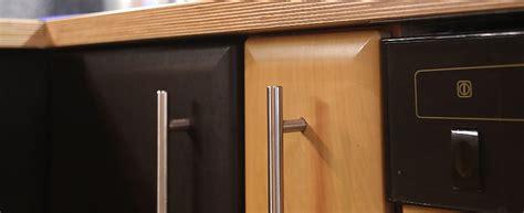 montage küchenrückwand holz k 252 che grau t 252 rkis