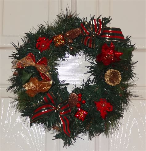 hours of fun preparing for next christmas wreaths