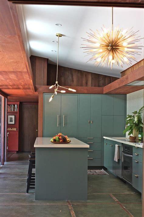 mid century kitchen cabinets best 25 mid century kitchens ideas on pinterest