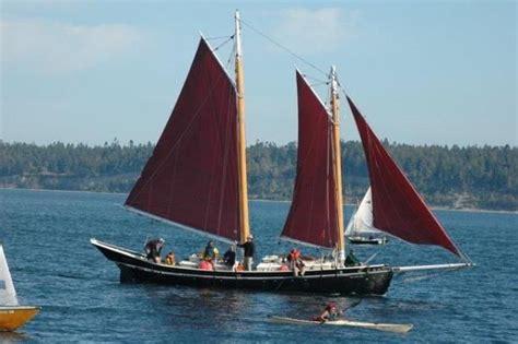 the open boat criticism schooner discussions