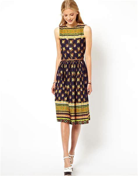 Promo Midi Dress Flower Vintage Product asos asos midi dress in vintage floral print with pleated skirt at asos