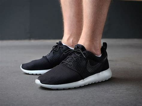 Free Bonus Sepatu Casual Nike Air Max One Blue roshe embroidery511881 095 nike roshe run black black