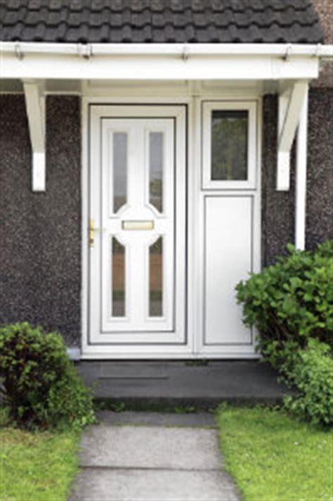 haust 252 r aus aluminium oder kunststoff hier infos - Kunststoff Oder Aluminium Haustür