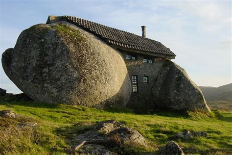 house between two rocks ugly houses unusual homes around the world houselogic