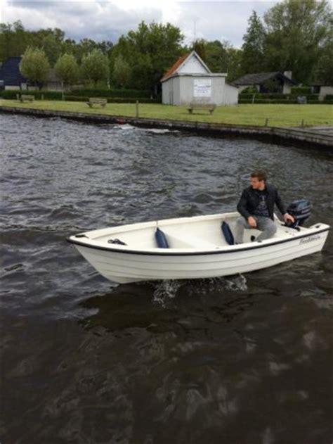 bootje met motor te koop vissersbootje te koop met motor in nieuwstaat