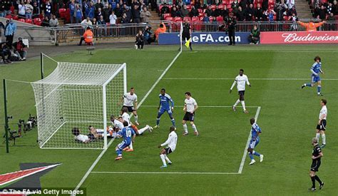 chelsea goal co id image proof that chelsea s second goal against tottenham