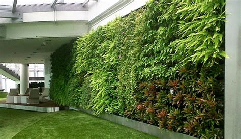 Artificial Green Wall Outdoor - tips and ideas for decorating outdoor with artificial