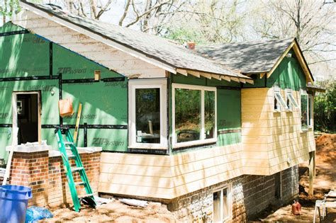 hgtv oasis 2015 testing exterior paint colors hgtv oasis 2015 the design