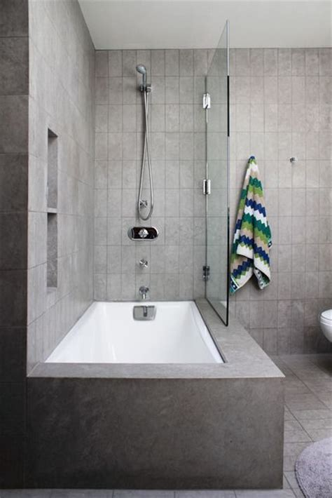 bathroom tub shower ideas 17 best ideas about tub shower combo on
