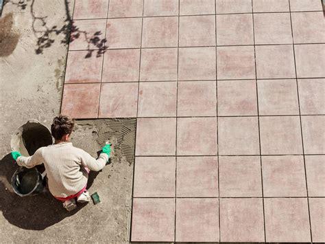 terrassenplatten verlegen auf beton 3021 terrassenplatten verlegen schritt f 252 r schritt anleitung