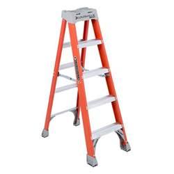 werner 5 ft aluminum step ladder with 225 lb load