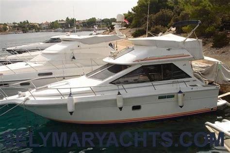 sea ray boats with flybridge 1990 sea ray 305 flybridge power boat for sale www