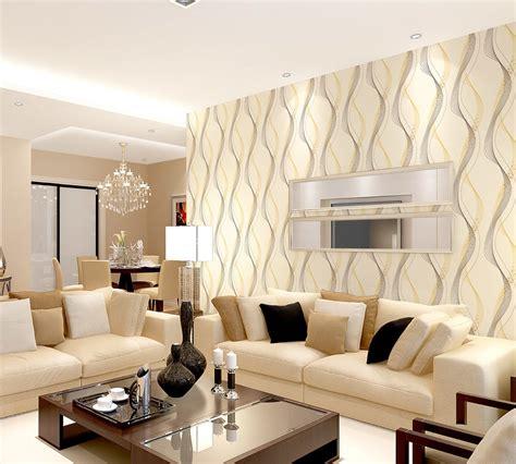motif wallpaper dinding ruang keluarga desain