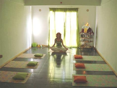 imagenes de salones yoga armoniayequilibrio com ar clases de yoga sesiones y